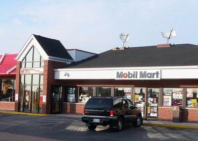Milton Mobil McDonald's exterior