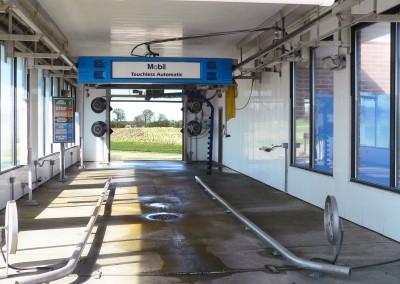 Milton Mobil car wash